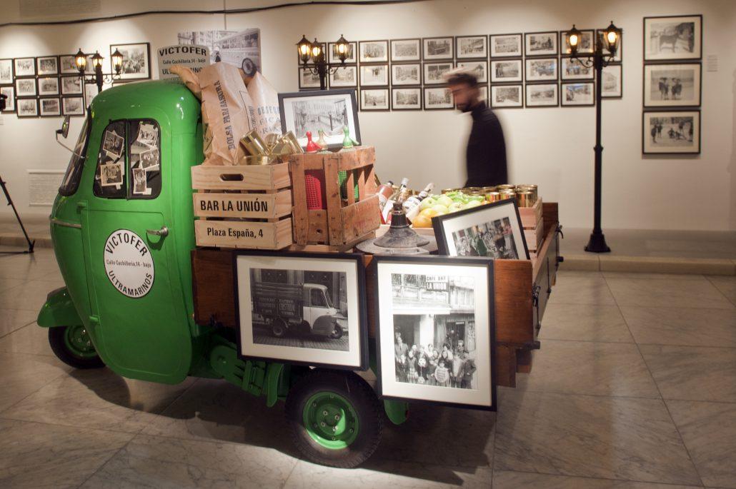 'Paaarisien!, fotografías y vivencias en blanco y negro, Vitoria-Gasteiz 1880-2009'
